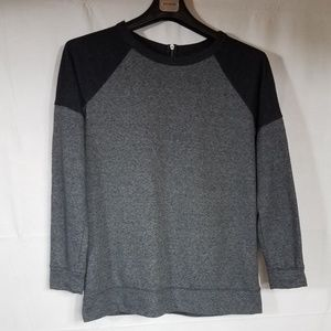 Tops - Lou Grey Women's Grey Long Sleeve Sweat Shirt Sm